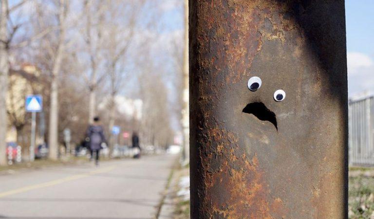 Küçük Bir Dokunuşla Nesnelere Hayat Veren Bulgar Sokak Sanatçısı