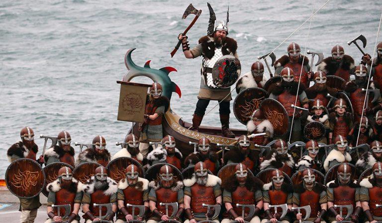 İskoçya'daki Viking Festivali'nden Gerçeğini Aratmayan Kareler