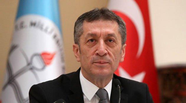 """Yeni Milli Eğitim Bakanı Ziya Selçuk Konuşmasıyla Umut Verdi. """"Ben Bakan Değil Gören Olacağım"""""""