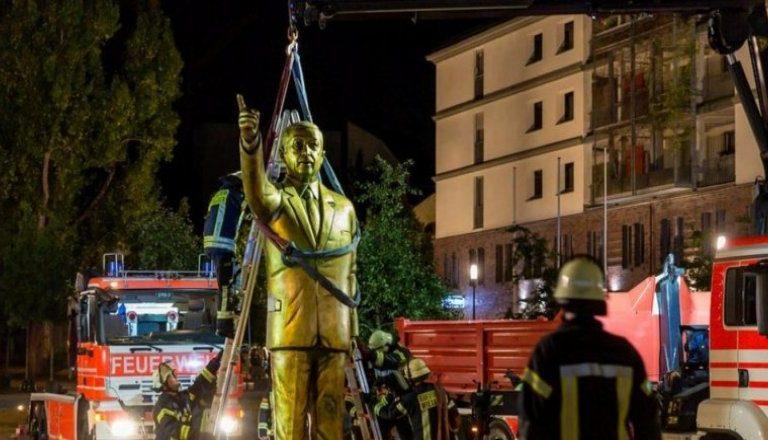 Almanya'da Tartışma Yaratan Erdoğan Heykeli Kaldırıldı